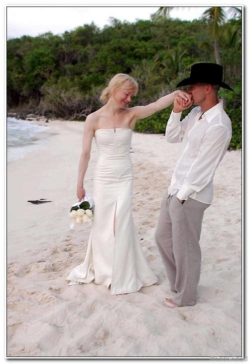 Mandatory Credit: Photo by Sipa Press/REX (522639a) Renee Zellweger with her new husband Kenny Chesney just after their wedding. THE WEDDING OF RENEE ZELLWEGER AND KENNY CHESNEY, CRUZ BAY BEACH, VIRGIN ISLANDS - 09 MAY 2005
