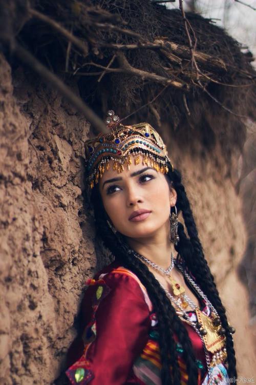 Сексуальный женщина в таджикистана