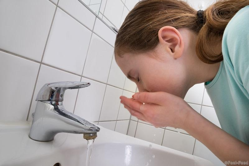 запах изо рта натощак причины