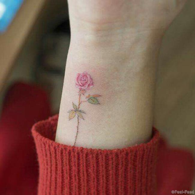 Тату цветочки маленькие
