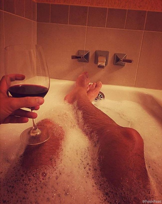 Фото в ванной тело респект